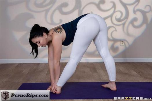 bigbuttslikeitbig-19-02-11-mandy-muse-yoga-freaks-episode-ten.jpg