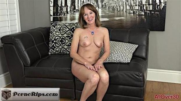 allover30-18-12-25-cyndi-sinclair-interview.jpg