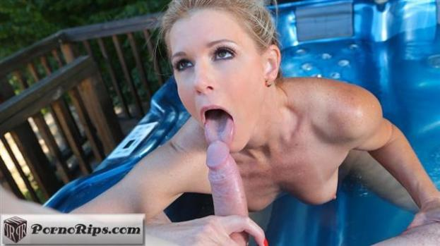 dorcelclub-18-12-28-india-summer-horny-moment-in-the-jacuzzi.jpg