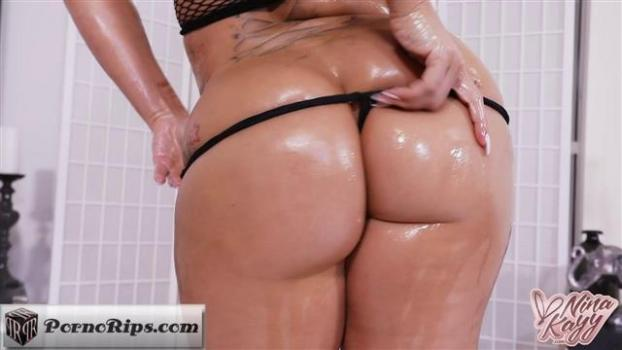 ninakayy-18-01-16-oil-drenched-squirting.jpg