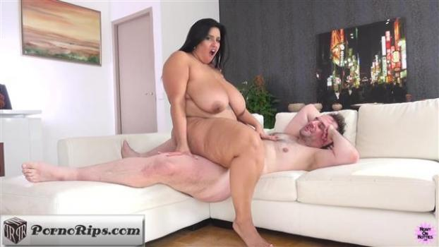 heavyonhotties-19-01-29-sofia-rose-bbw-legend.jpg