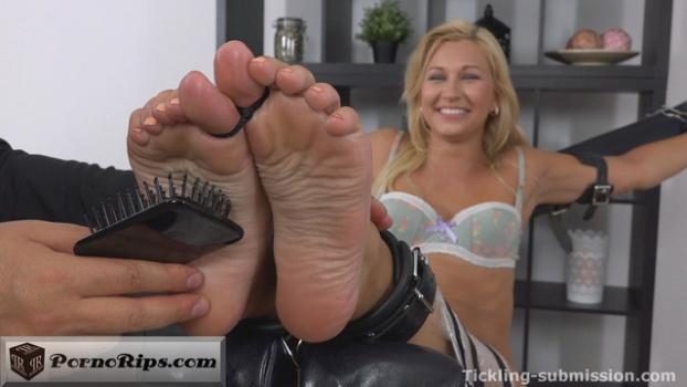 trickling_submission_-_extra_ticklish_oiled_feet_00_11_31_00023.jpg