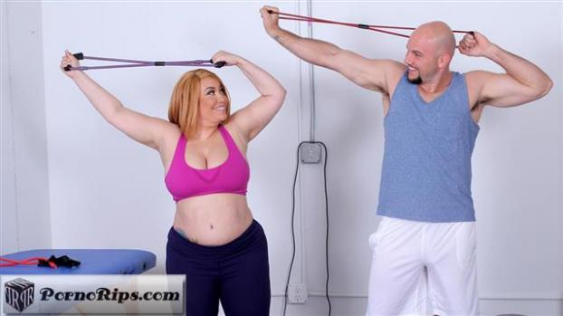plumperpass-19-03-01-risa-chacon-risas-workout.jpg