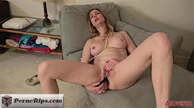 allover30-19-04-12-phoebe-waters-ladies-with-toys.jpg