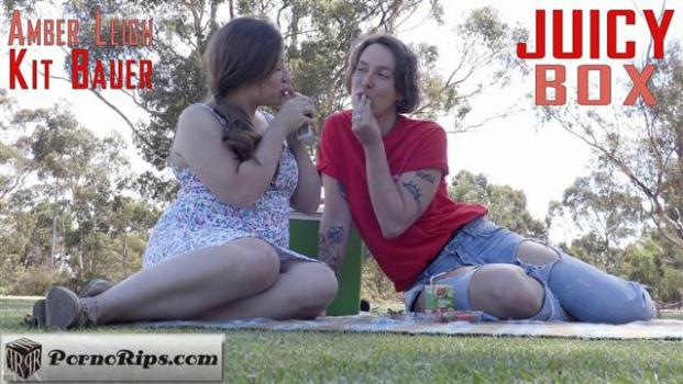 girlsoutwest-19-04-20-amber-leigh-and-kit-bauer-juicy-box.jpg