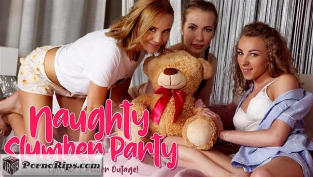 lezcuties-19-07-03-lina-mercury-angel-emily-and-poppy-pleasure-power-outage.jpg