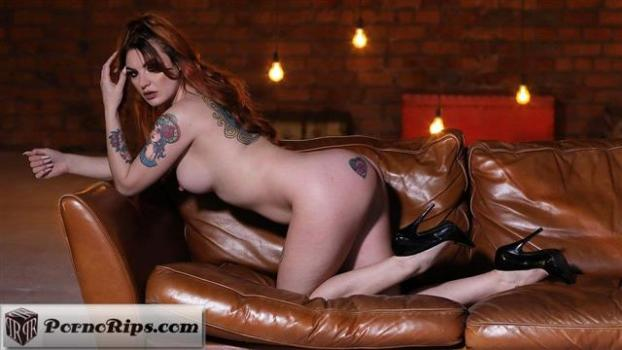 nothingbutcurves-19-09-01-amber-all-the-sauce.jpg