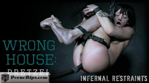 infernalrestraints-19-07-26-dakota-marr-wrong-house-pretzel.jpg