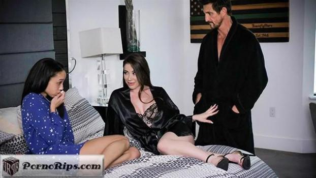 fostertapes-20-02-12-bianca-burke-and-alexis-tae.jpg