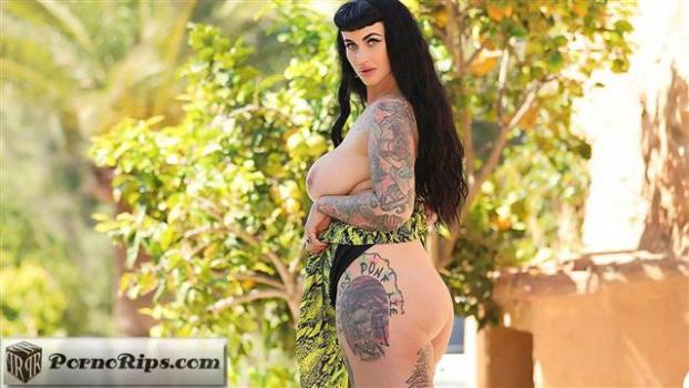 nothingbutcurves-20-03-12-cherrie-pie-thick-and-zesty.jpg