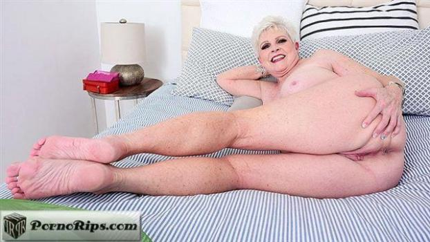 pornmegaload-20-05-25-jewel-shower-time-and-more.jpg