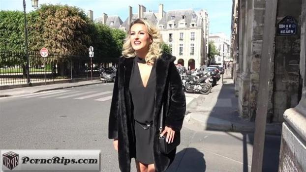 jacquieetmicheltv-20-05-20-lilou-23-years-old-french.jpg