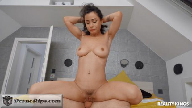 busting_on_the_anal_bead_thief-mp4_snapshot_29-09-247.jpg