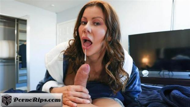 milfslikeitbig-21-04-25-alexis-fawx-cleaning-the-college-guys-cock.jpg